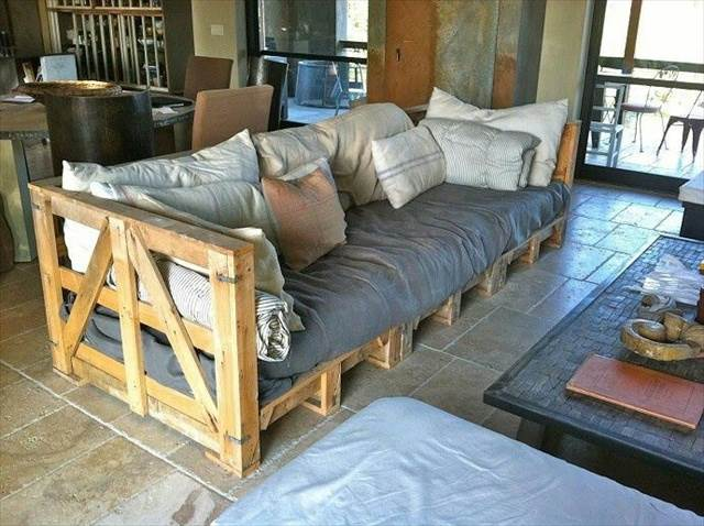21 diy pallet sofa plan and ideas. Black Bedroom Furniture Sets. Home Design Ideas